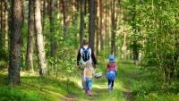 Vi rekommenderar utevistelse i skog och mark istället för gruppaktiviteter.